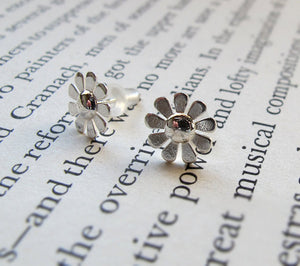 Flower Stud Earrings - Sterling Silver Camomiles