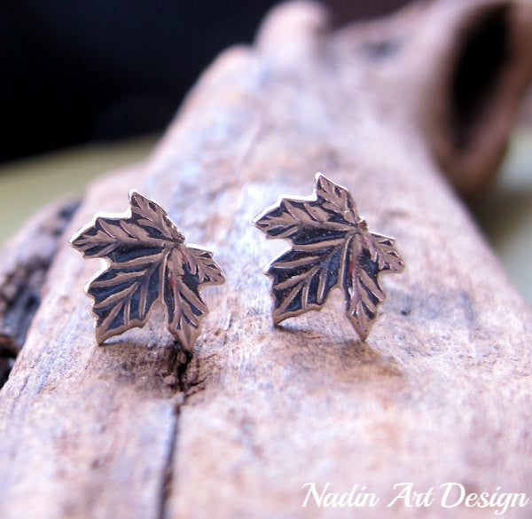 Maple leaf stud earrings in silver