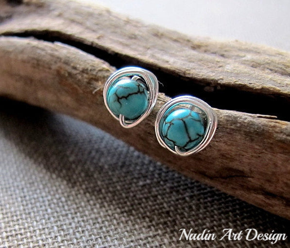 Big studs with turquoise gems