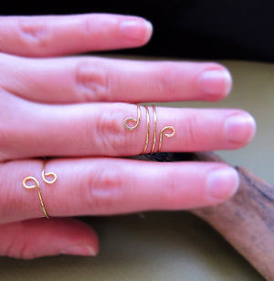 Gold Knuckle Swirl Ring