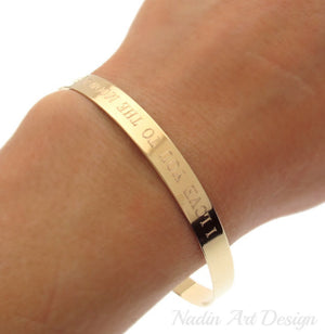 Gold bangle bracelet with engraving