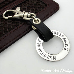 Engraved round pendant keychain