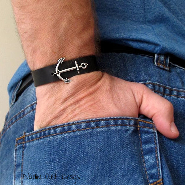 Mens Leather Bracelet with anchor
