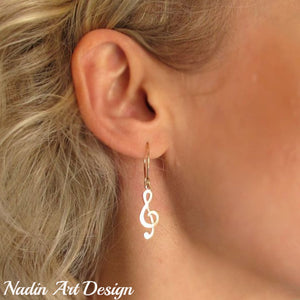 Musical Note gold earrings