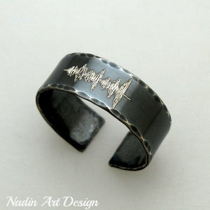 Black band ring with soundwave engraving