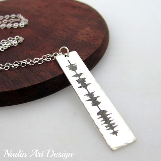 Soundwave engraved pendant necklace