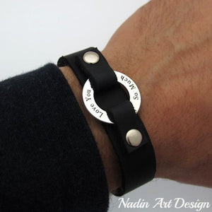 Groomsmen gift - Engraved Leather Bracelet - Silver circle bracelet for men - Mens bracelet in leather