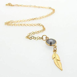Dark Pearl Feaher Necklace