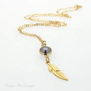 Pearl feather necklace