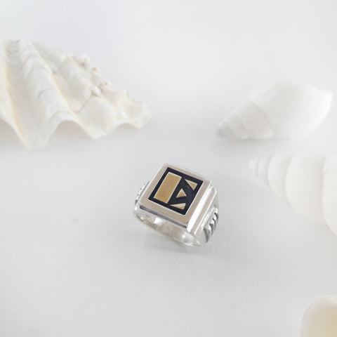 Personalized signet ring