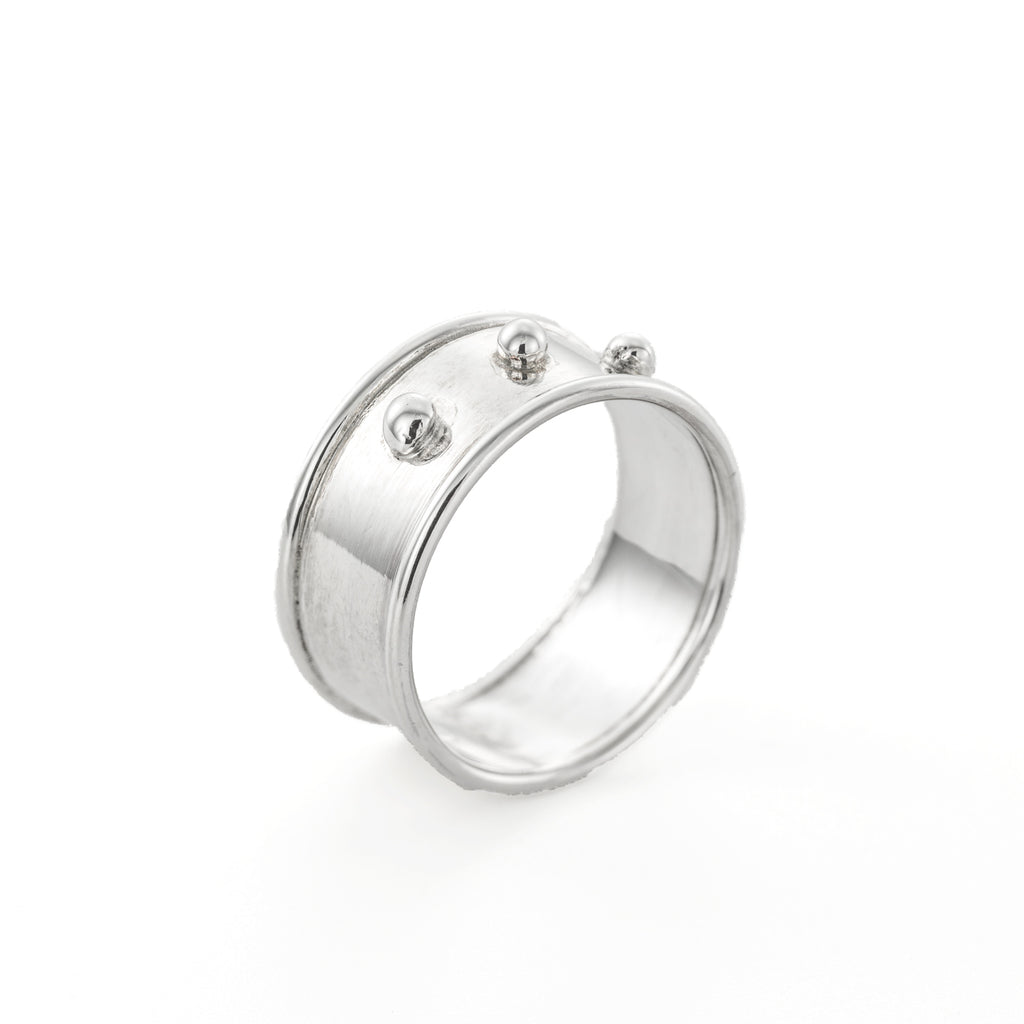 Classic wide three dots ring