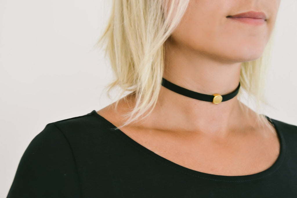 Choker necklace with a gold round bead, Gold charm choker necklace, Faux leather necklace for women, 90s choker necklace, gift for her