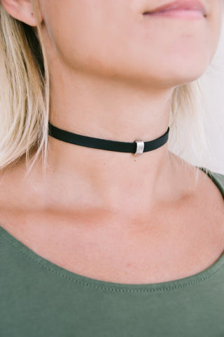Black choker necklace for women, silver rectangle bead, charm choker necklace, Faux vegan leather necklace, 90s choker necklace, gift idea