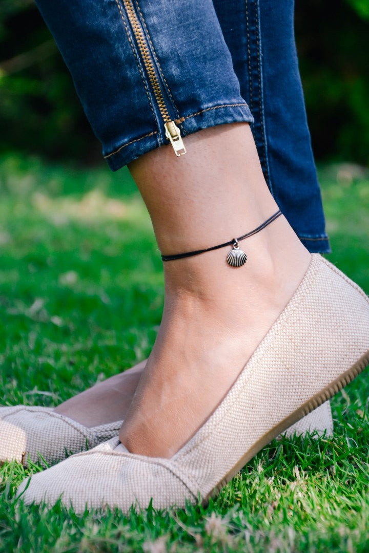 Seashell Anklet Ankle Bracelet With A Silver Plated Shell Charm