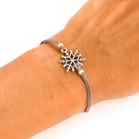 Snowflake bracelet, women bracelet with silver snow flake charm, gray cord, gift for sister, valentine gift, winter bracelet