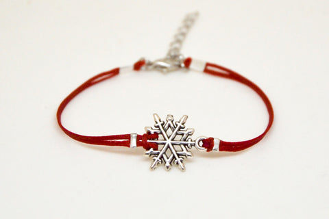 Snowflake bracelet, women bracelet with silver snow flake charm, red cord, valentine gift for her, minimalist jewelry, winter bracelet