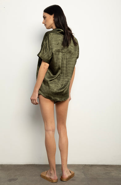 Short Sleeve Blouse + Army Croc