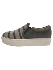 WOMEN'S STRIPED SKATE SNEAKERS