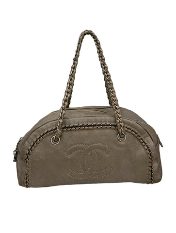 MEDIUM CHAIN TRIM LUXE LIGNE BOWLER BAG