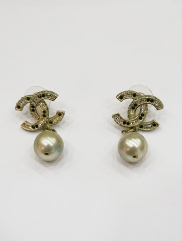 CC PEARL DROP EARRINGS