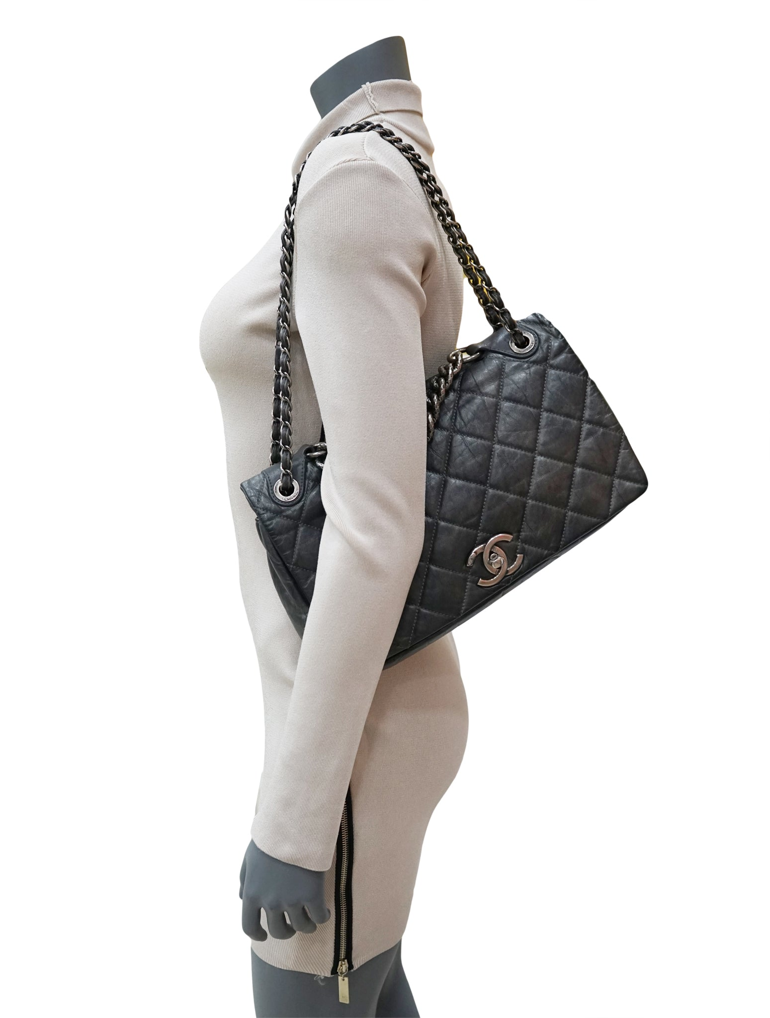 CHARCOAL QUILTED LEATHER PONDICHERRY FLAP BAG