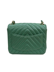 LAMBSKIN CHEVRON QUILTED SQUARE FLAP
