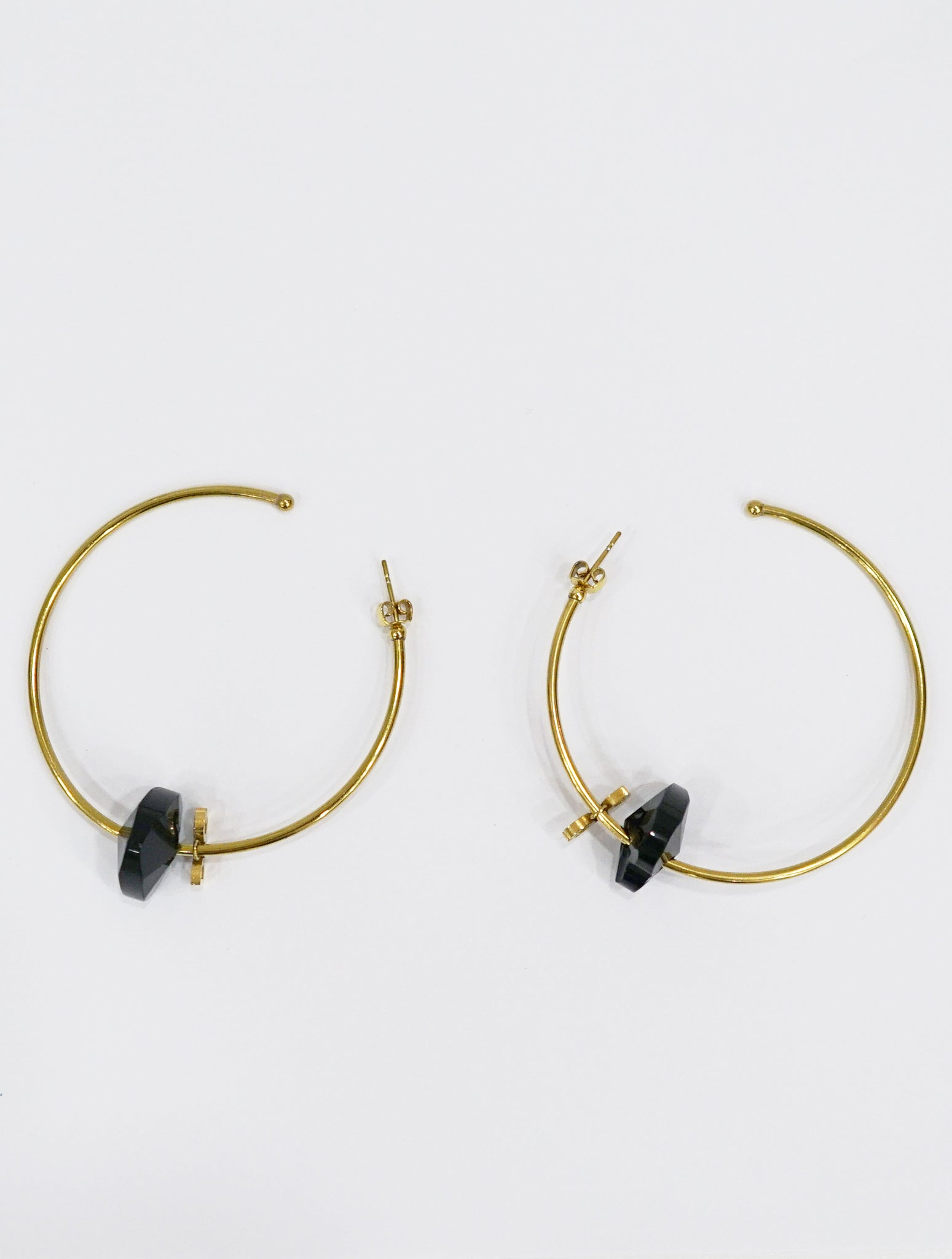 BLACK STONE GOLD PLATED EARRINGS