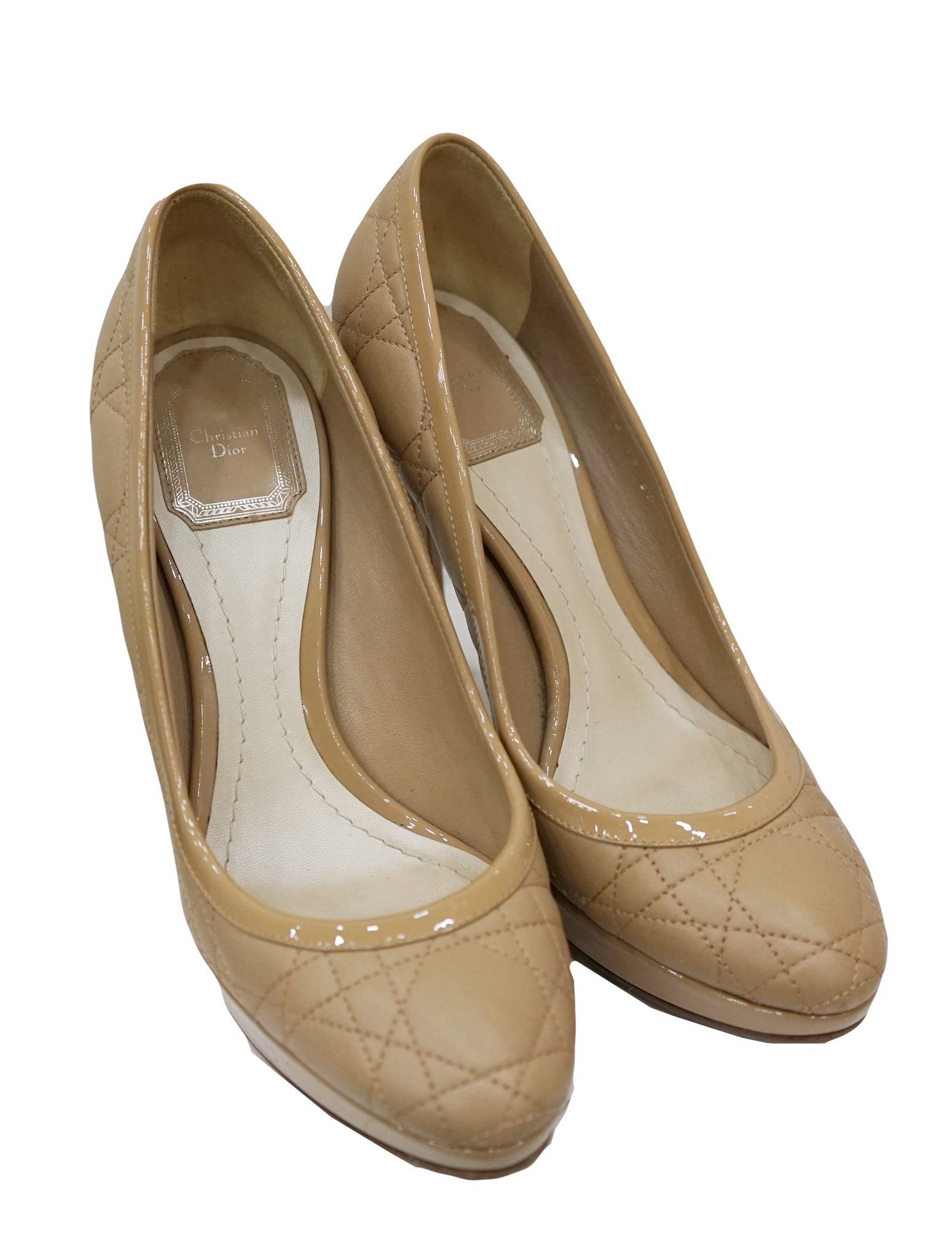 BEIGE QUILTED CANNAGE PUMPS