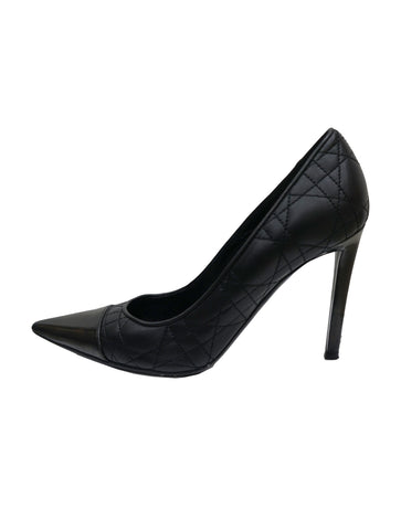 BLACK QUILTED LEATHER POINTED TOE PUMPS