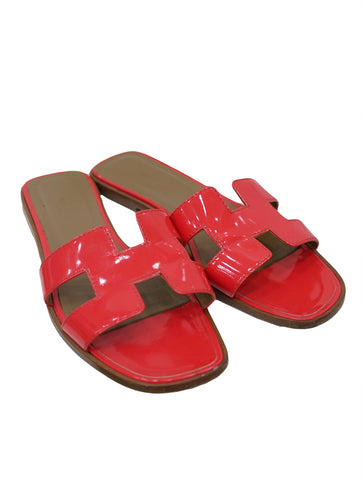 PATENT LEATHER ORAN SANDALS