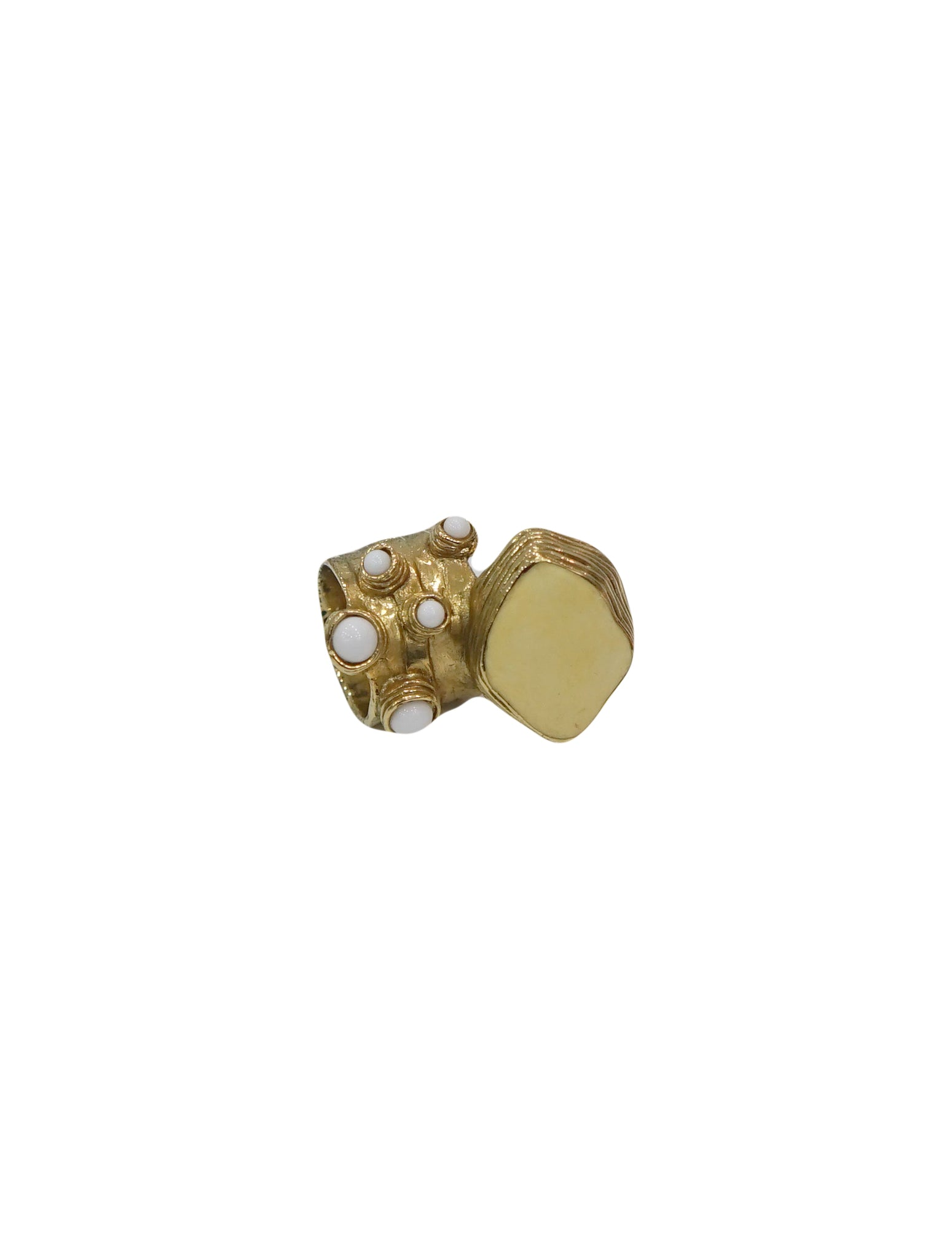 ARTY OVAL AND DOTS ENAMEL GOLD TONE RING
