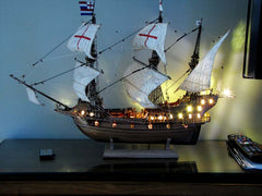 Ship model with LEDs