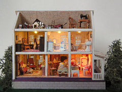 Lovely Victorian dollhouse