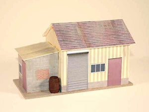 Nice O scale Shed, we step through making this structure in the Project Idea booklet included with Model Builder