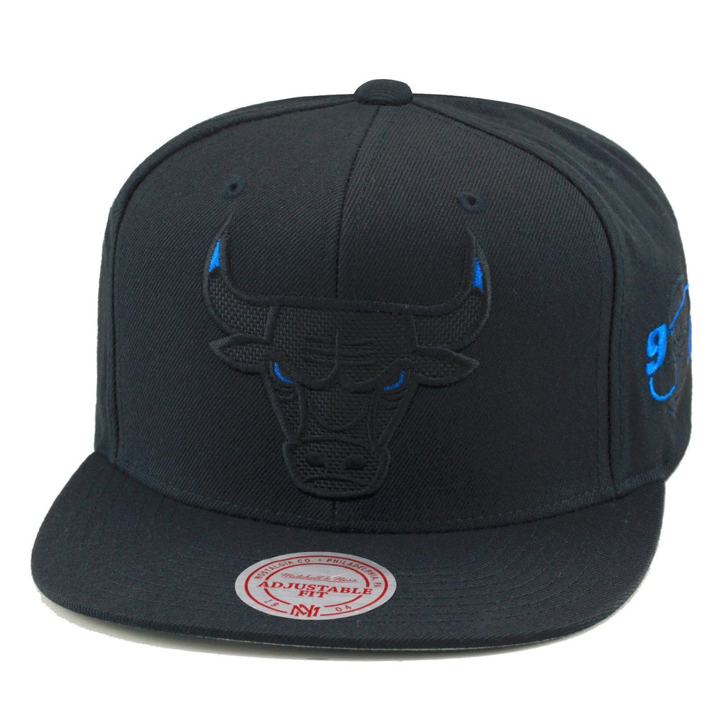 3d1d97a62b9 ... Mitchell   Ness Chicago Bulls Snapback Hat Black Blue Eye Ballistic  Nylon ...