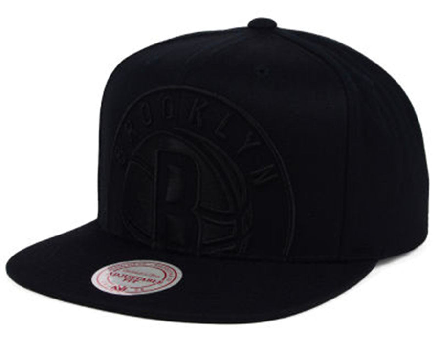 separation shoes 9483c d3387 Mitchell And Ness Men s NBA Brooklyn Nets Cropped XL Logo Snapback Cap ...