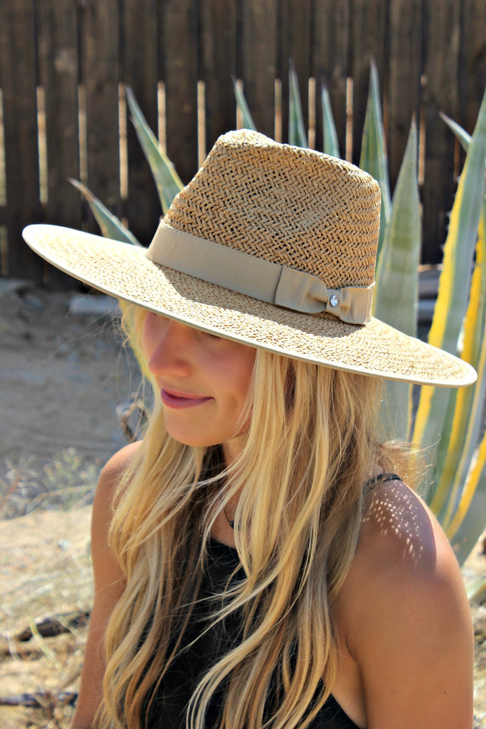 The Palm Desert Straw Panama Hat in Natural - Glitzy Bella