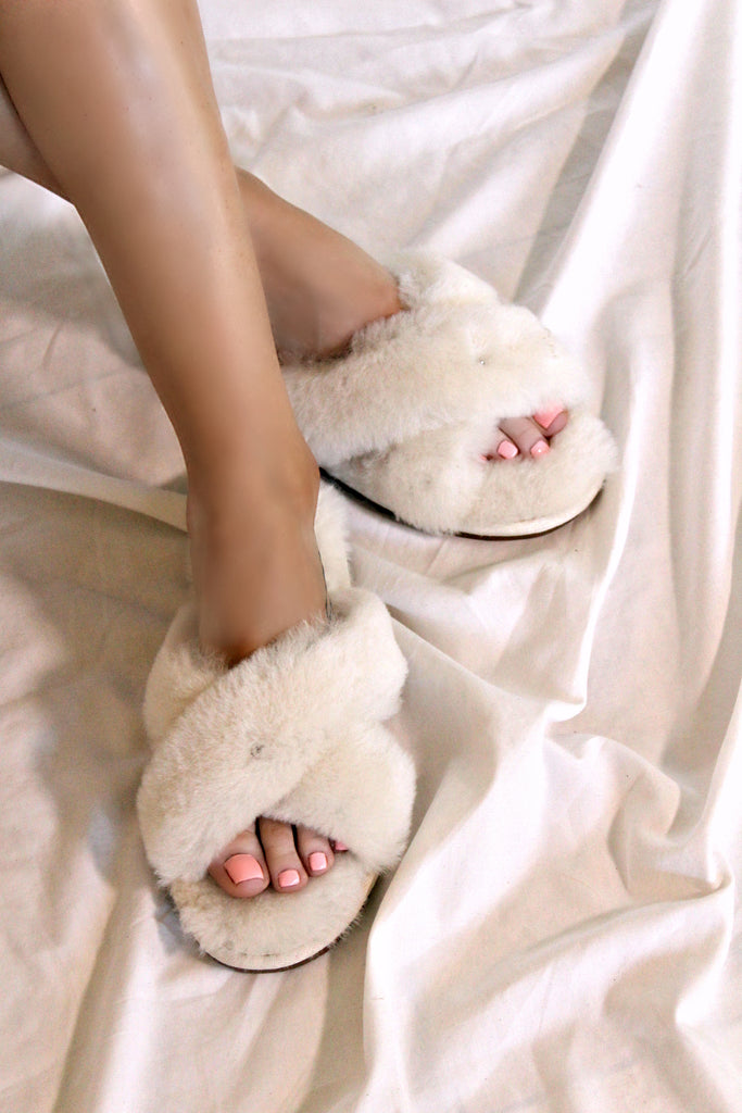 Cozette Sheepskin Slipper in Cream