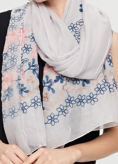 Daisy Embroidery Hijab + - Chaddors