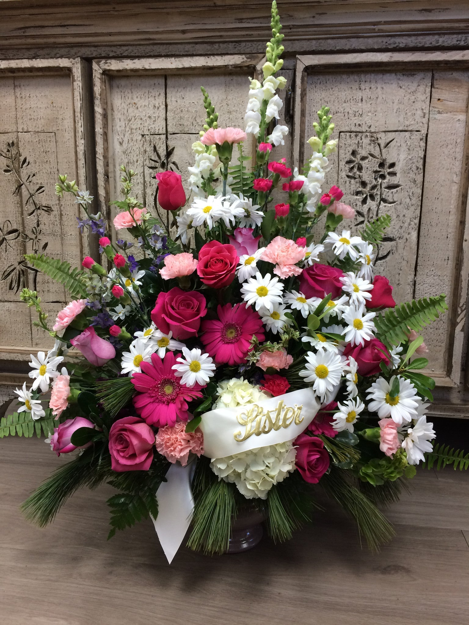 Traditional Style Sympathy Arrangement (Large)