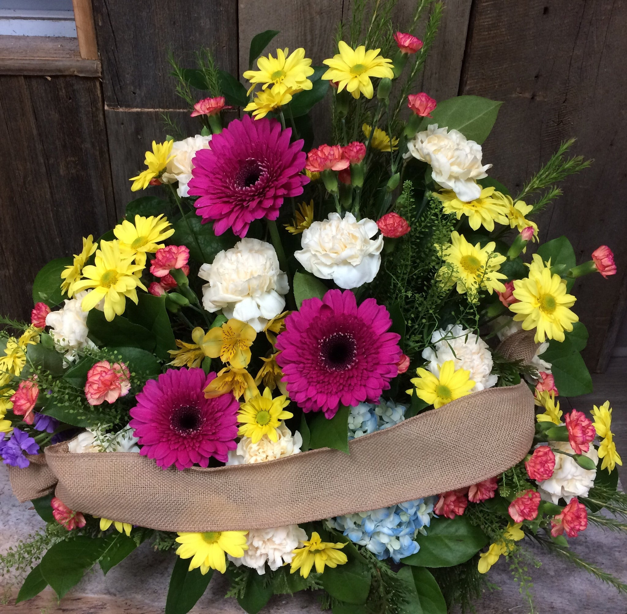 Traditional Style Sympathy Arrangement