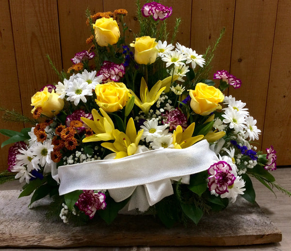 Traditional Style Sympathy Arrangement (Medium)