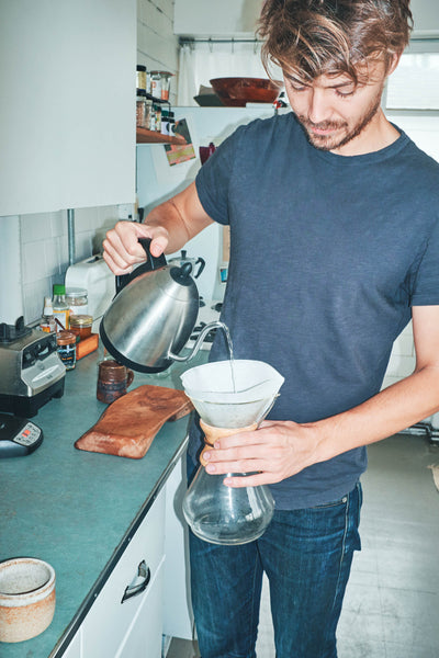 How to make a v-60 pourover | Casey Wojtalewicz of Canyon Coffee making a pourover by hand at home in Venice, CA