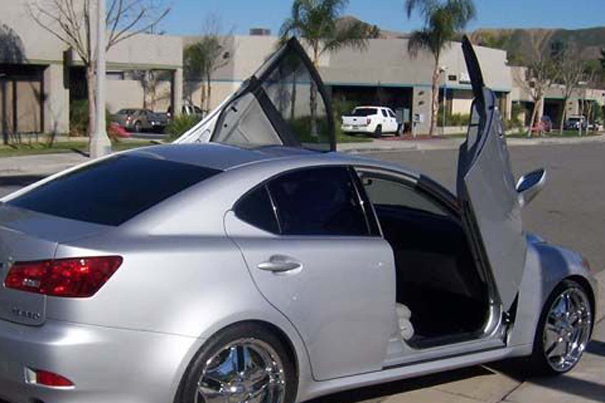 Lexus IS350 2009-2011 2DR Vertical Lambo Doors
