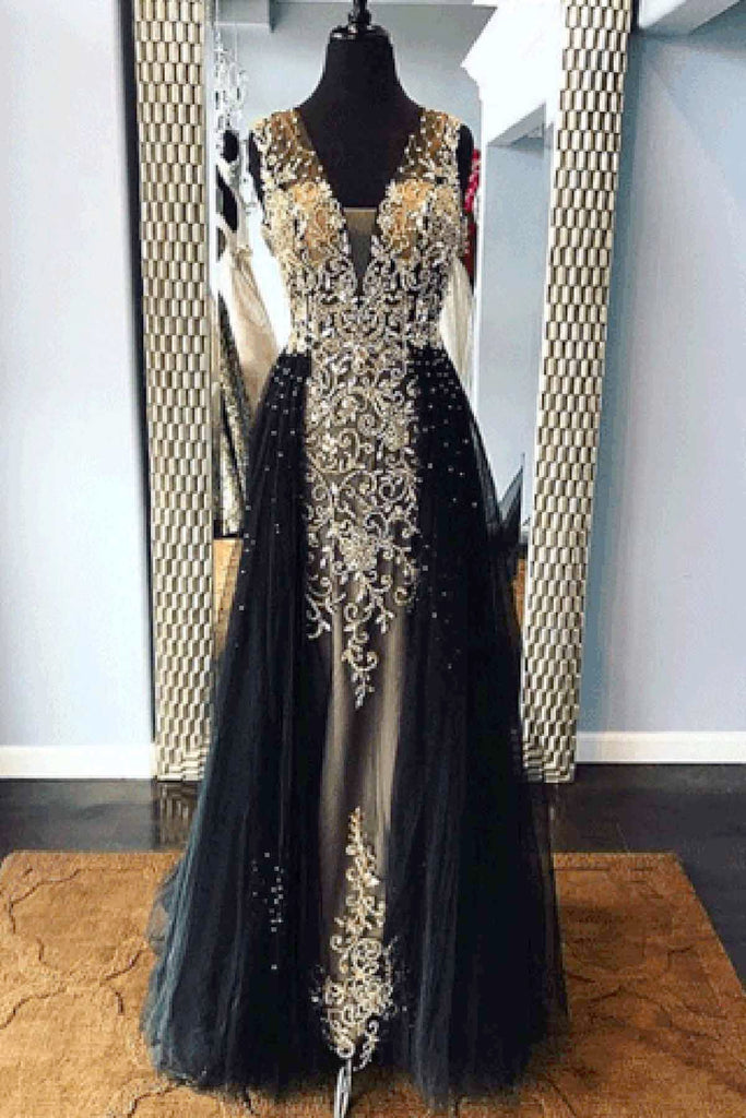 Black Tulle V Neck Long Embroidery Lace Halter Evening Dress With
