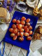 Load image into Gallery viewer, Carnelian Agate Rune Set