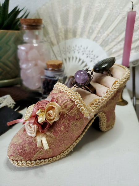 Victorian Shoe Ring Holder