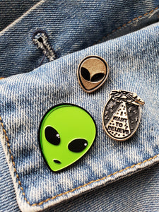 I Want 2 Believe Enamel Pins