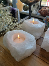 Load image into Gallery viewer, Quartz Candle Holders