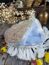 Load image into Gallery viewer, Large Druzy Blue Lace Agate